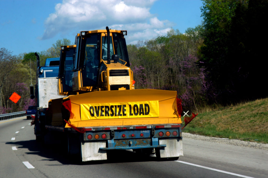 What to Know Before Hiring a Heavy Hauling Company